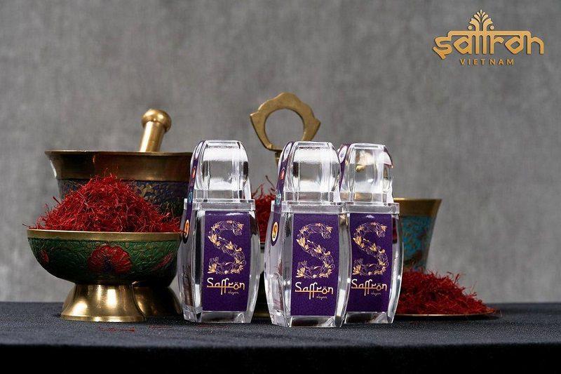 saffron-shyam-tieu-chuan-xanh