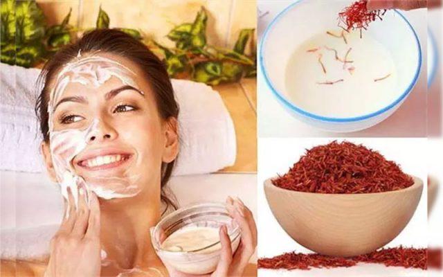Làm mặt nạ sữa chua với Saffron trị mụn nội tiết