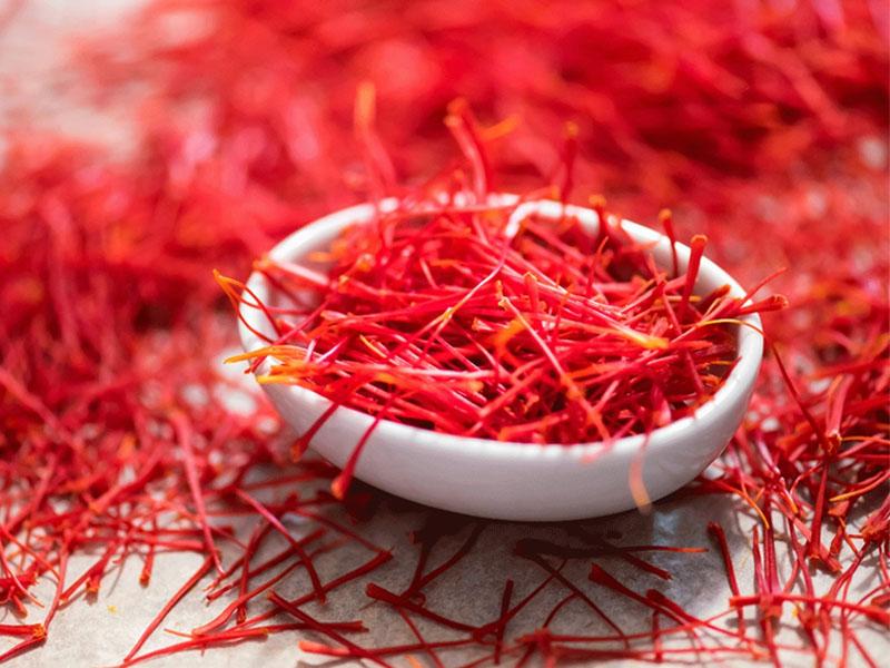 Cách dùng Saffron làm thạch với nước dừa