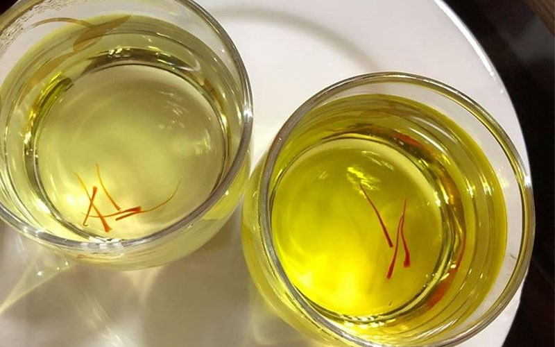 Saffron bị ẩm là gì?
